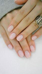 manicura-nude-rosa-palo